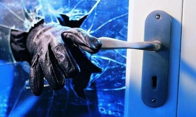 Prizren: Kapet nga policia pasi kishte hyrë për të vjedhur në një shtëpi