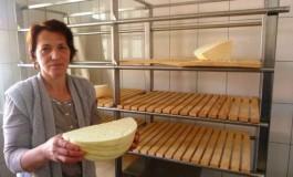 Miserete Kolloni: Blerësit mezi presin ta blejnë djathin tim
