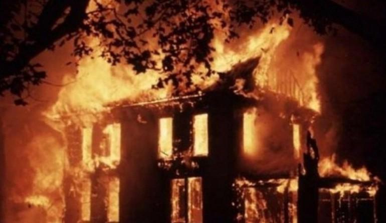 Prizren: Digjen mijëra euro në shtëpinë e përfshirë nga zjarri