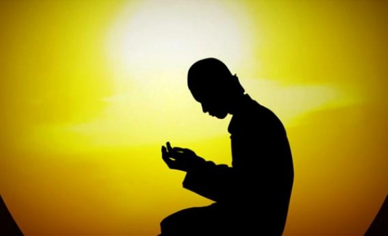 Mbarësoni fëmijët tuaj me lutje