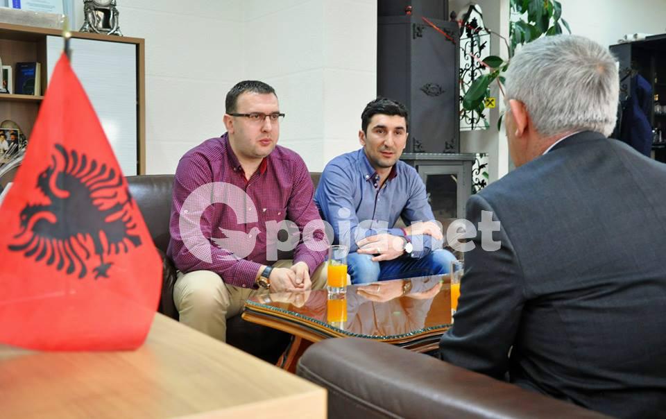 Ambasadori i Shqipërisë viziton fabrikën Kuk Commerc në Prizren (Video)