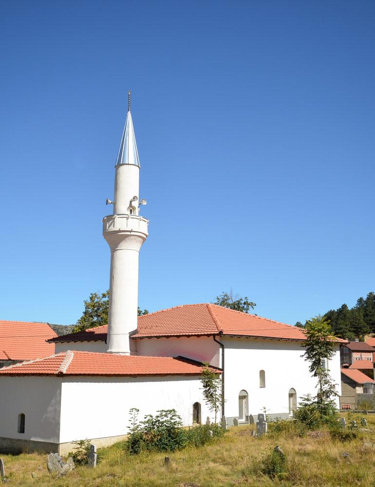 Publikohet lista, 91 besimtarë nga Dragashi ia kanë mësyrë Haxhit