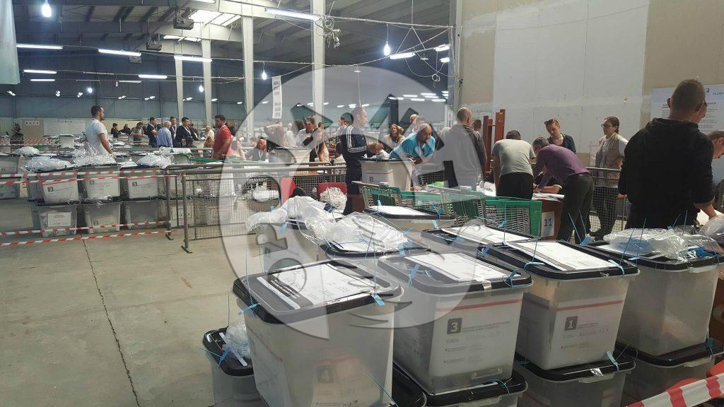 Zbulohen keqpërdorime në numërimin e votave në Dragash