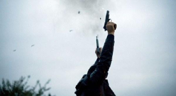 Të shtënat me armë zjarri në ahengje familjare, rrezikojnë jetën e qytetarëve