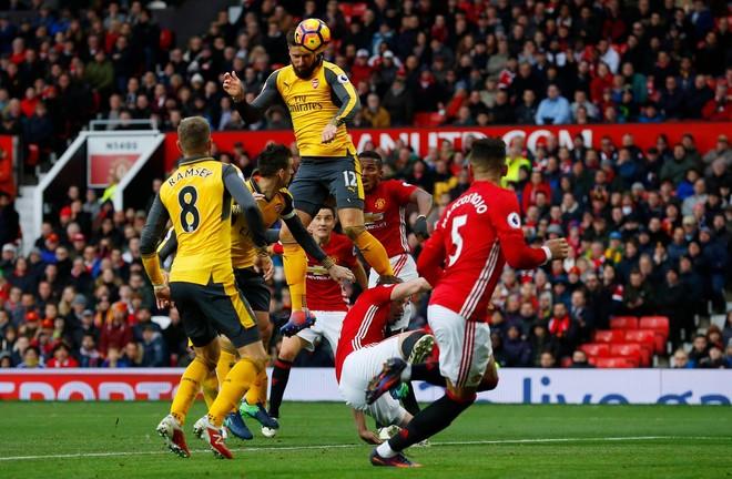 Sanchez shkëlqen, Arsenali gjen fitoren
