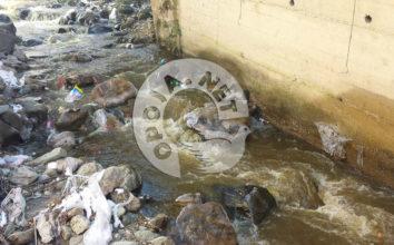 Lumi në fshatin Bresanë shumë i ndotur (Foto)