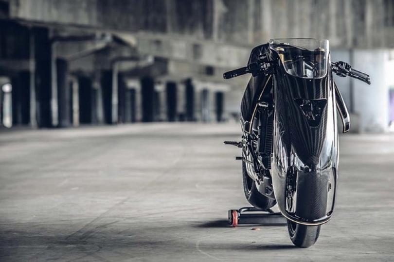 "Vjen motoçikleta ""brutale"" (Foto)"
