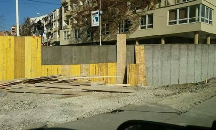 Sot aksion simbolik për rrëzimin e murit në Mitrovicë