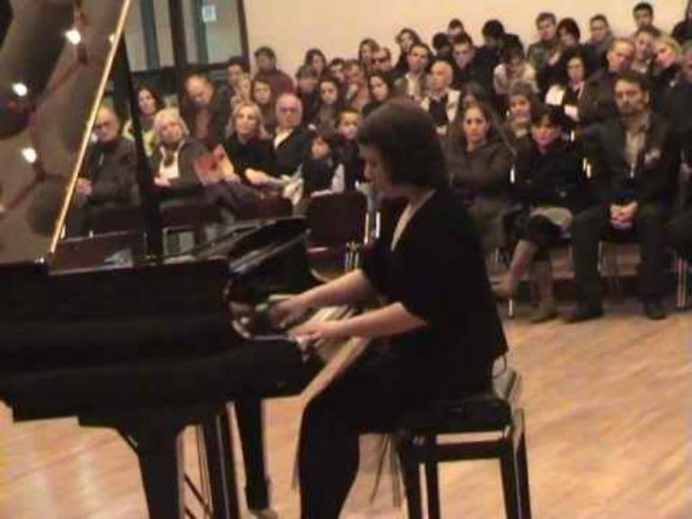 Erita Qafleshi pianistja nga Bellobradi i Opojës