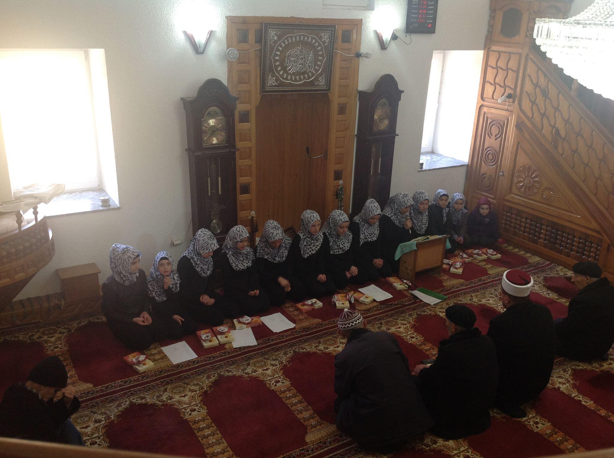 Xhamia në Bresanë me organizim për natën e Mevludit (Video)