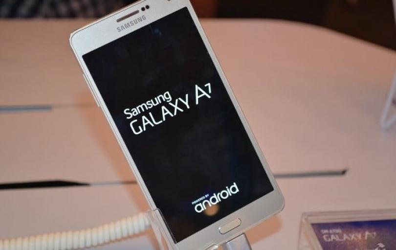 Së shpejti lansohet Galaxy A7 me ekran të lakuar