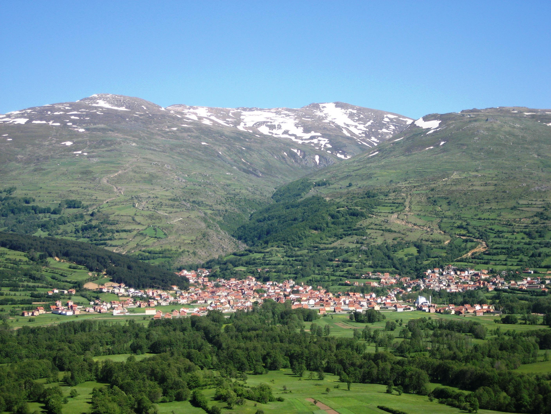Kurseni fjalorin e mos fyeni trevën më atdhetare të popullit shqiptar, vendin e Ymer Prizrenit
