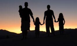 Studim: Njerëzit më të lumtur kanë raporte shumë cilësore me familjen