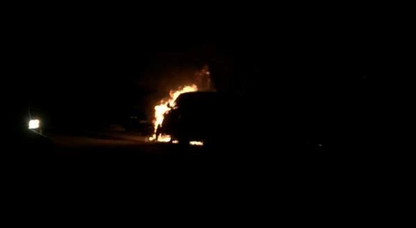 Përfshihet nga zjarri një veturë në Prizren