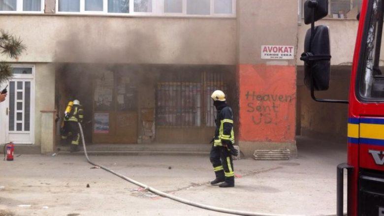 """Përfshihet nga zjarri """"Radio Gora"""" në Dragash"""
