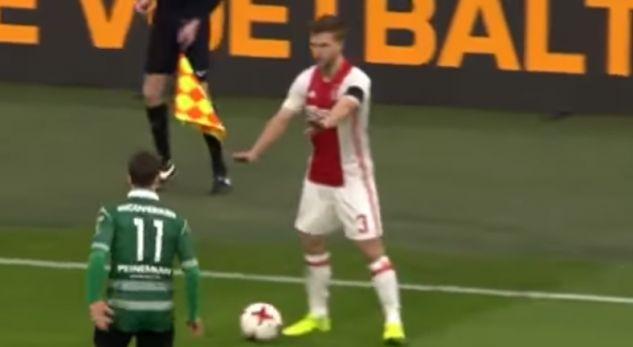 Futbollisti i Ajaxit po cilësohet si turpi i futbollit me këtë veprim (Video)