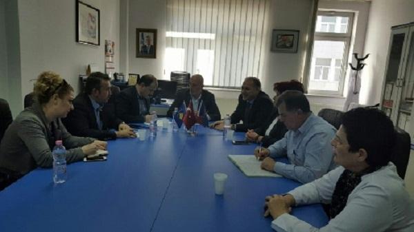 Mjekët nga Turqia të gatshëm për operacione të përbashkëta edhe në spitalin e Prizrenit