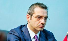 Jep dorëheqjen Saimir Tahiri