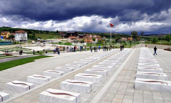 Si ndodhi rrethimi i parë i familjes Jashari dhe si u përball Ademi me policinë serbe
