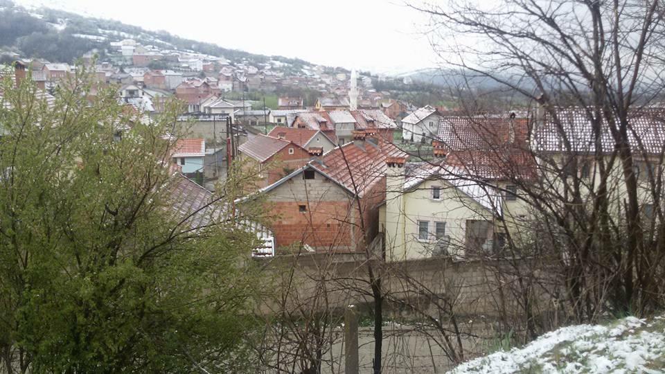 Bora zbukuron sërish Opojën