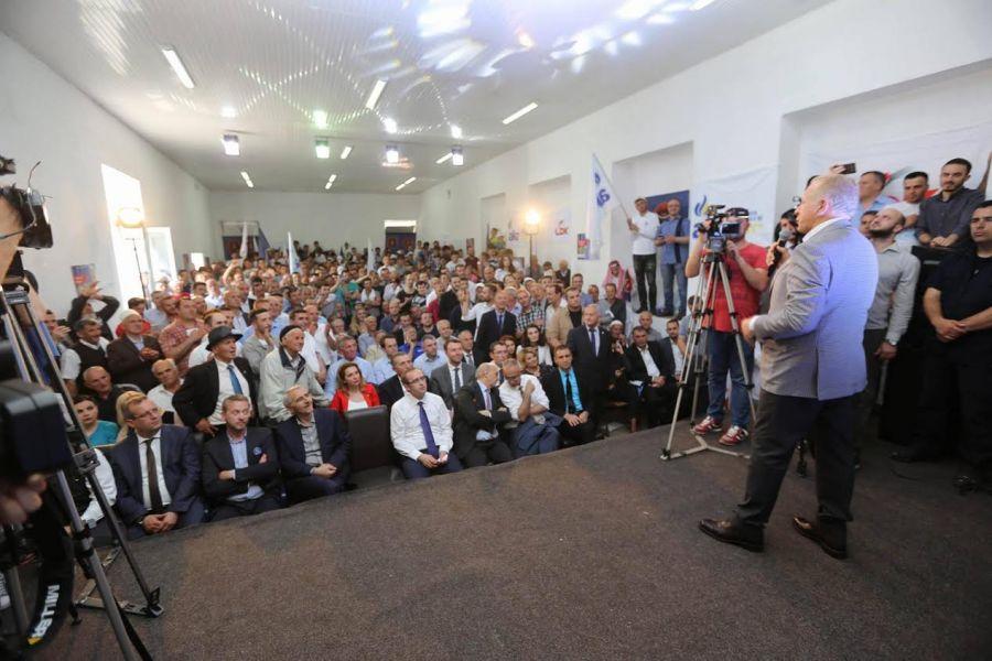Pacolli: Bashkë me qytetarët do ta shpëtojmë Kosovën nga zhvatësit