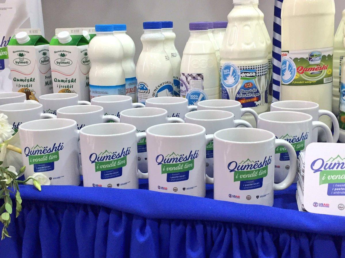 Mbahet panairi i qumështit