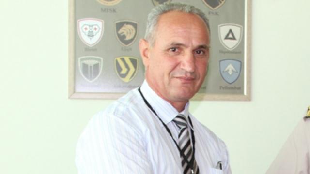 Skandali i Konsullit kosovar, shqelmat e djalit të tij dhe ndjekja e protestuesit nga policia