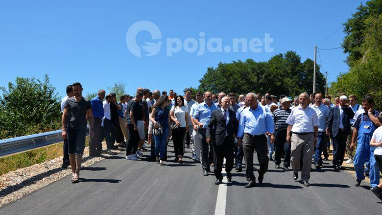 Përurohet rruga e asfaltuar Jabllanicë-Zaplluxhë