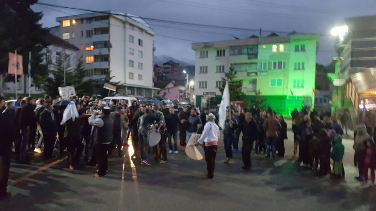 PDK feston në Dragash (Video)