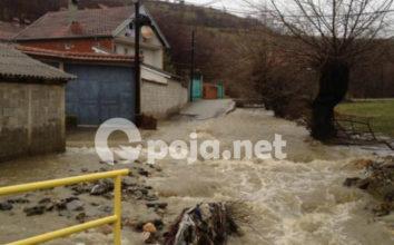Pasojat e vërshimeve të shiut në Opojë (Video)