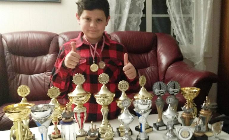 Ledion Berisha supertalent në lojën e shahut!