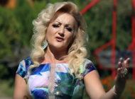 Shyrete Azizaj vazhdon të sjellë videoklipe të reja (Video)