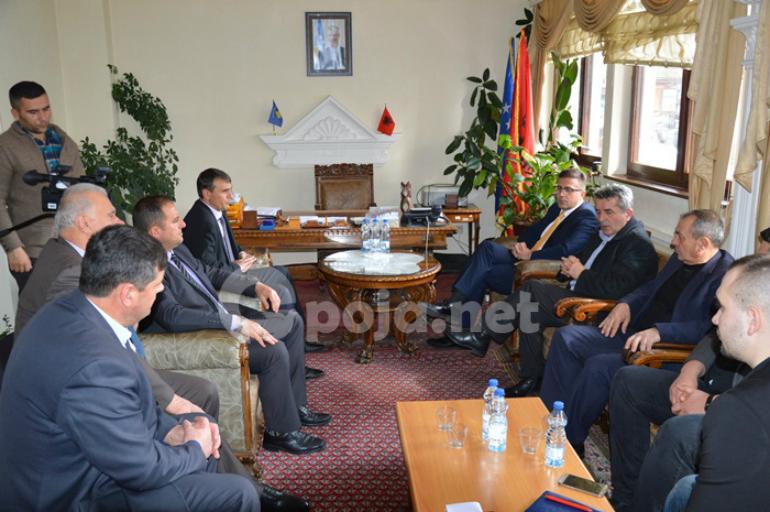 Ministri Demiri në vizitë Komunës së Dragashit: Regjionet e Kosovës në mënyrë të barabartë do të kenë qasje në investime
