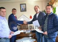 Kryetari i Dragashit nënshkruan marrëveshje bashkëpunimi për fuqizimin e bizneseve dhe fermerëve (Foto)