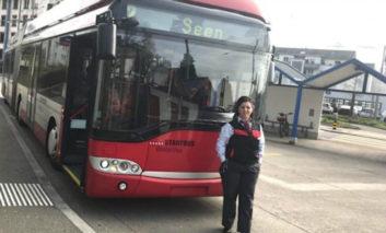 E martuar me buqjanin, Teuta Berisha 20 vjet shofere e autobusit në Zvicër