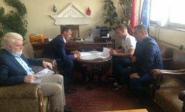 Nënshkruhet memorandumi, pritet aksioni për kapjen e qenve endacak në Dragash