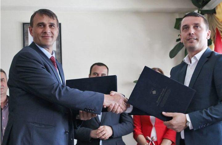 Kujtim Gashi, ka vizituar sot Komunën e Dragashit ku është takuar me kryetarin e komunës