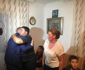 Halil Kastrati me shoqatën e tij, i ndërton shtëpi veteranit nga Buqja (Video)