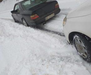 Rruga Dragash - Prizren e papastruar nga bora, vozitësit kanë mbetur deri 3 orë për të kaluar