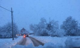 Sot mëngjesi me borë në Opojë, borëpastruesit në gjumë!