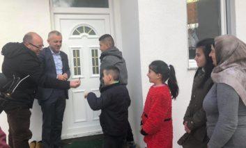 Katër familje u bënë me shtëpia të reja në komunën e Dragashit