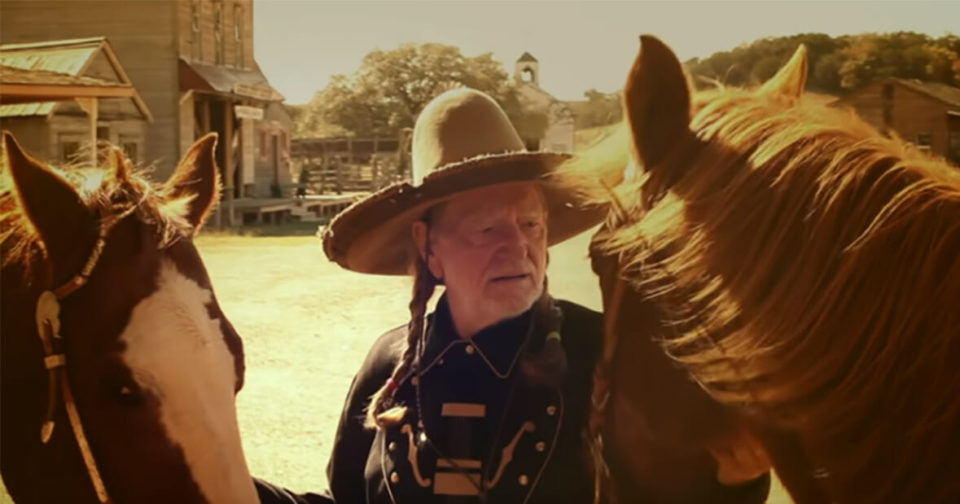 Country legend Willie Nelson saves 70 horses from being slaughtered and sets them free