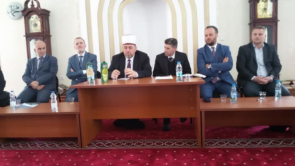 Myftiu i BIRK-së Mr. Naim Tërnava mbajti takim me imamët e KBI-së të Dragashit