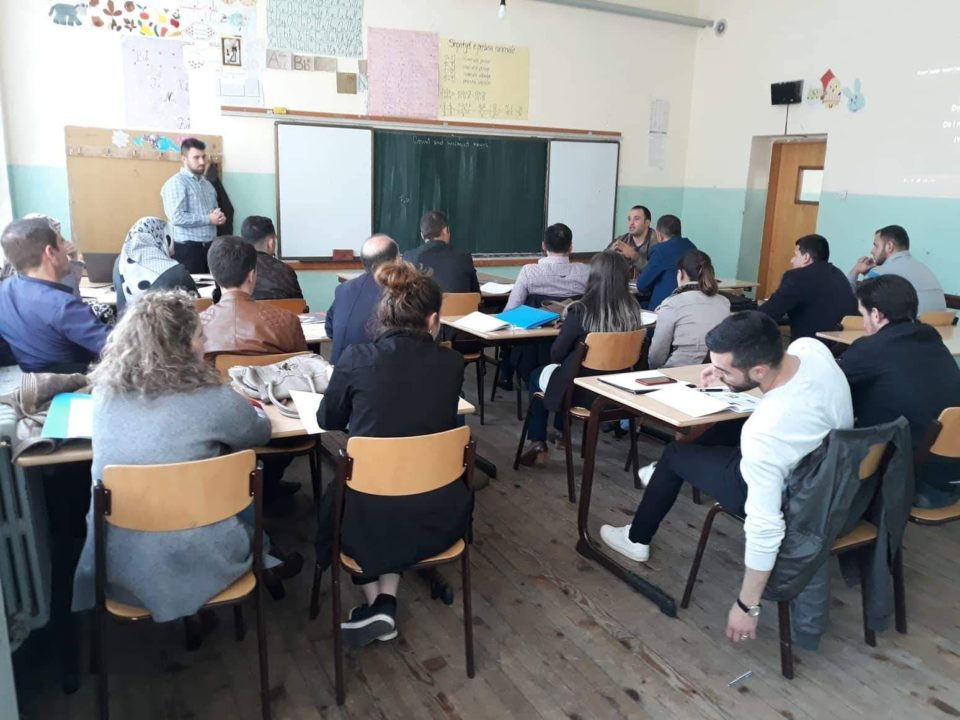 Në Dragash po mbahet kursi i Gjuhës Angleze për Turizëm, interesimi është mjaft i lartë