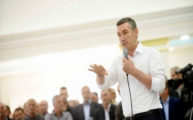 Kadri Veseli në Dragash: Të punohet më përkushtimin e një djali të ri, si ish-kryetari Salim Jonuzi