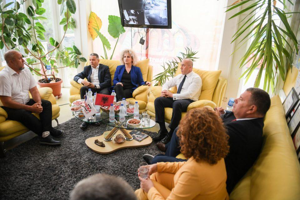 """Ramush Haradinaj vizitoi kompaninë """"Meka"""" në Plavë"""