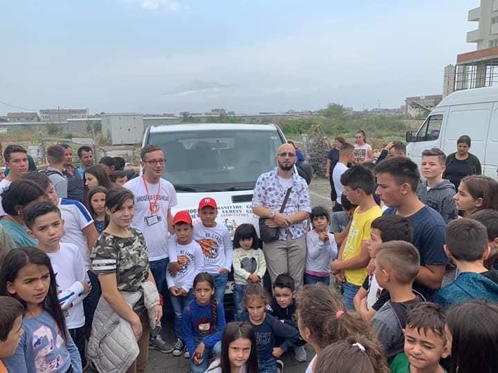Shoqëria e Bashkuar në Prizren sot shpërndahu ushqim dhe 150 bursa për fëmijët jetim!