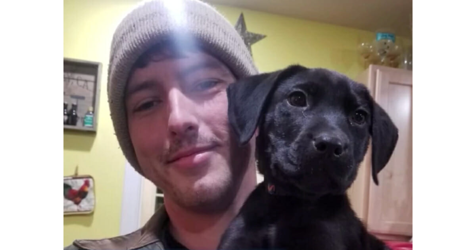 Deaf man adopts deaf rescue puppy with hearing loss and teaches him sign language