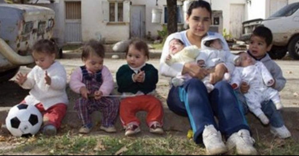 17-Year-Old Mother Of 7 Kids Has Demand She Thinks Taxpayers Should Foot The Bill For