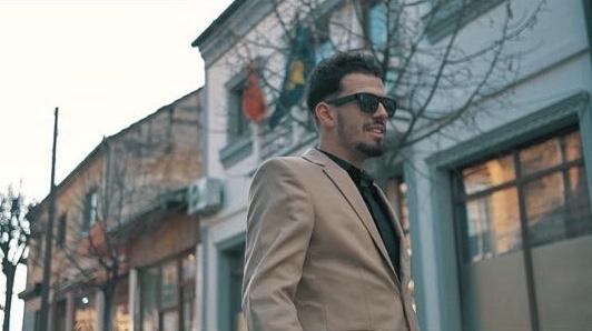 Dy artistë të rinjë po i bashkohen Estrades Shqiptare